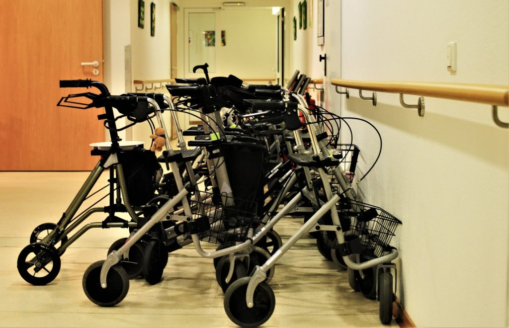 chodzik dla niepełnosprawnych